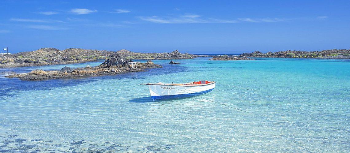 The clear waters of Isla de los Lobos, Fuerteventura, Canary Islands, Spain, Atlantic, Europe